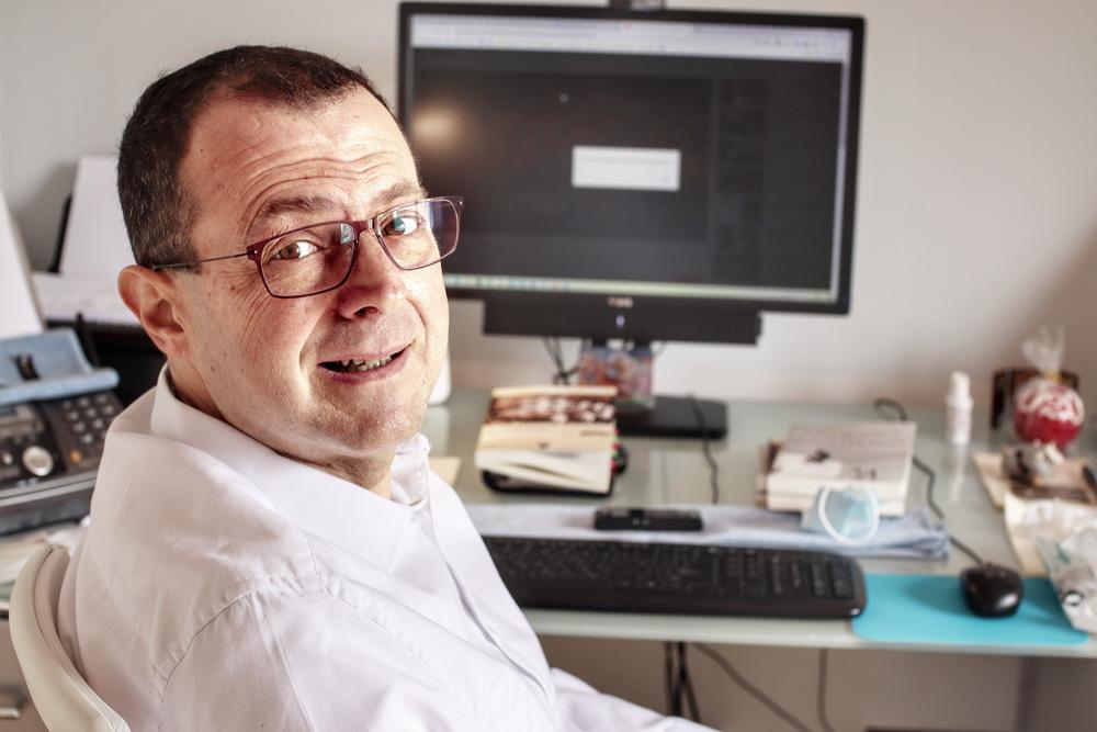 Dr. Γρηγόρης Βασιλειάδης Ψυχολόγος Ψυχοθεραπευτής Online Ψυχοθεραπεία